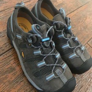 Brand new KEEN women's hiking shoes